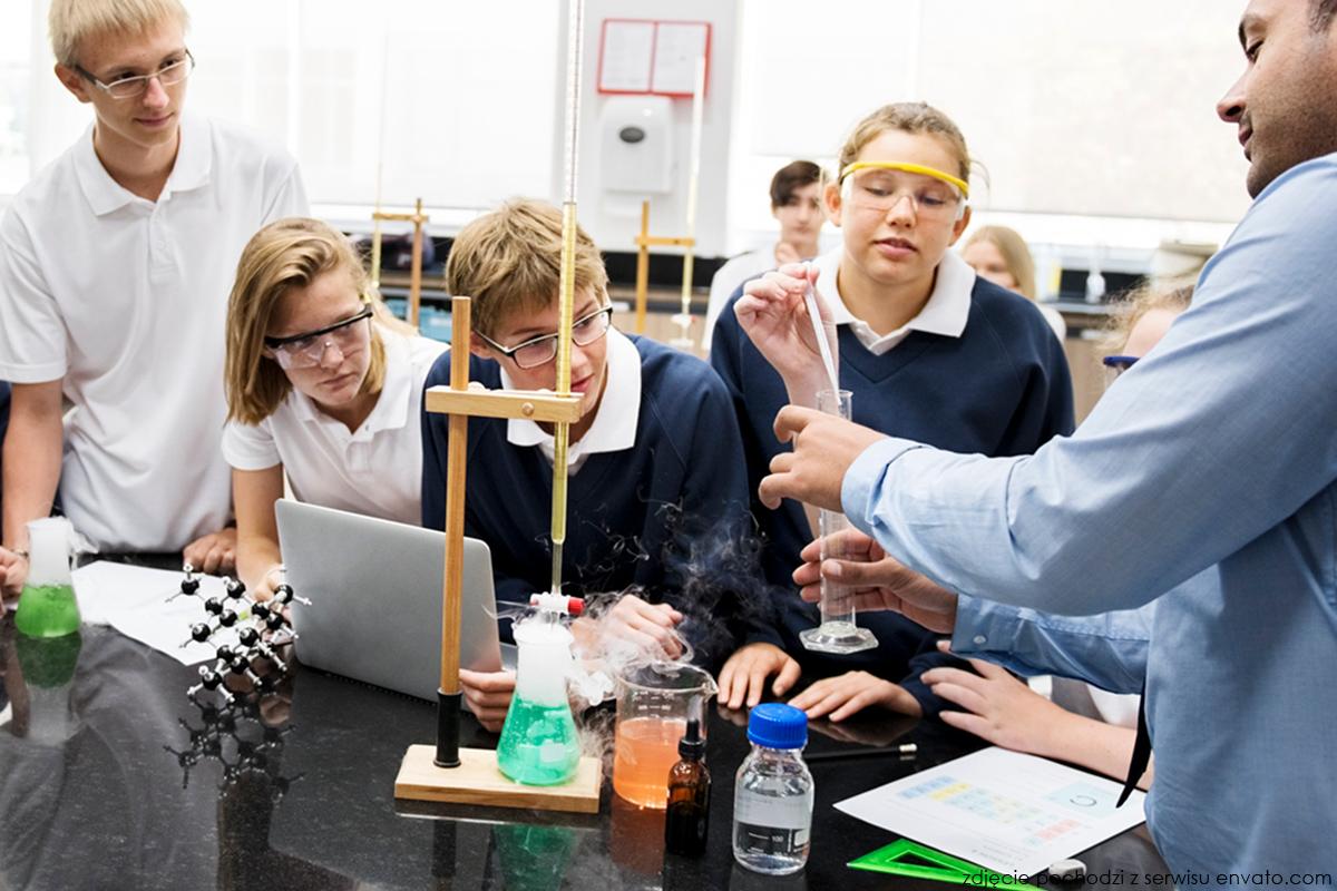 Lekcja chemii - zdjęcie ilustracyjne